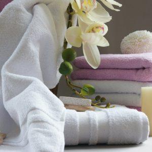 Махровые полотенца и простыни